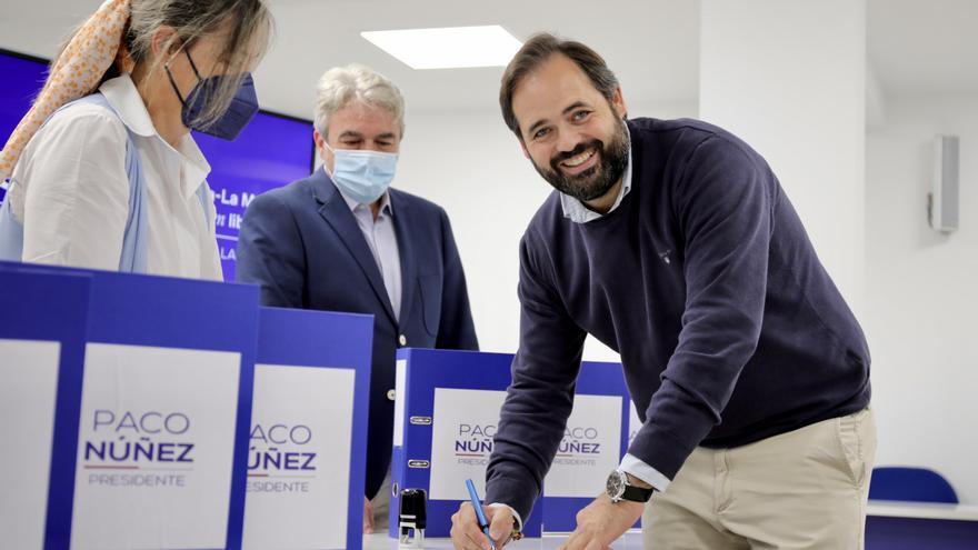 Paco Nuñez entrega más de 8.000 avales para presentar su candidatura a liderar el PP de Castilla-La Mancha