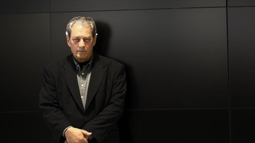 Paul Auster dice que le enferma ver cómo Trump alienta la división racial