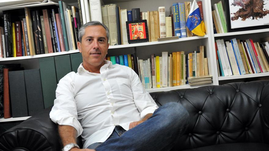 El artista tinerfeño Alejandro Tosco.