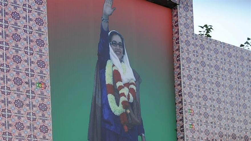 El partido de la ex primera ministra pakistaní Benazir Bhutto apela las sentencias por su asesinato