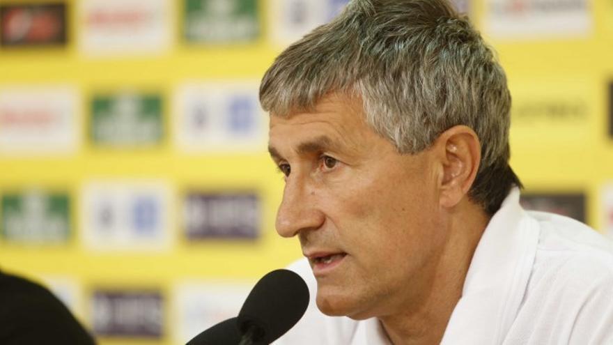 El entrenador de la UD Las Palmas, Quique Setién, durante una rueda de prensa en el Estadio de Gran Canaria. (Página oficial UD Las Palmas).