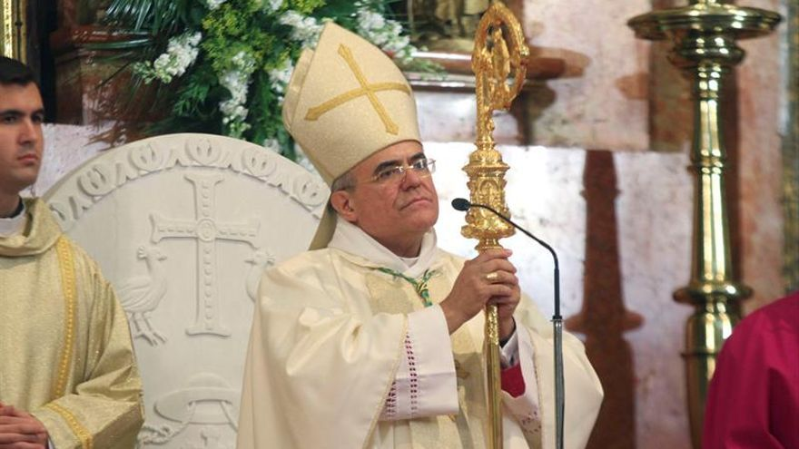 Casi 500 personas piden investigar comentarios homófobos de obispo de Córdoba