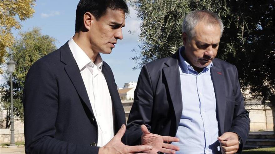 Sánchez homenajea a Guerra citando su orgullo socialista y su fe en el futuro