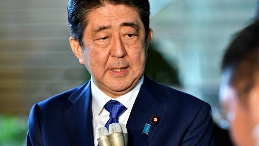 Abe planea convocar elecciones anticipadas en Japón en octubre, según medios