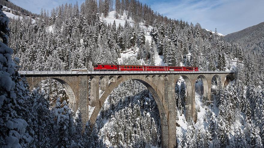 Viaducto Wiesener, sobre el río Landwasser en Graubünden, Suiza