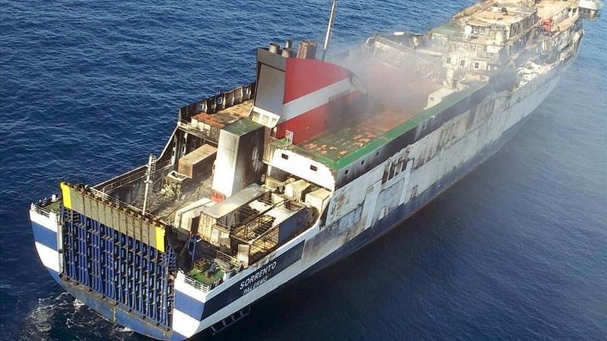 Empresa acondicionará el Sorrento en alta mar para remolcarlo sin riesgos