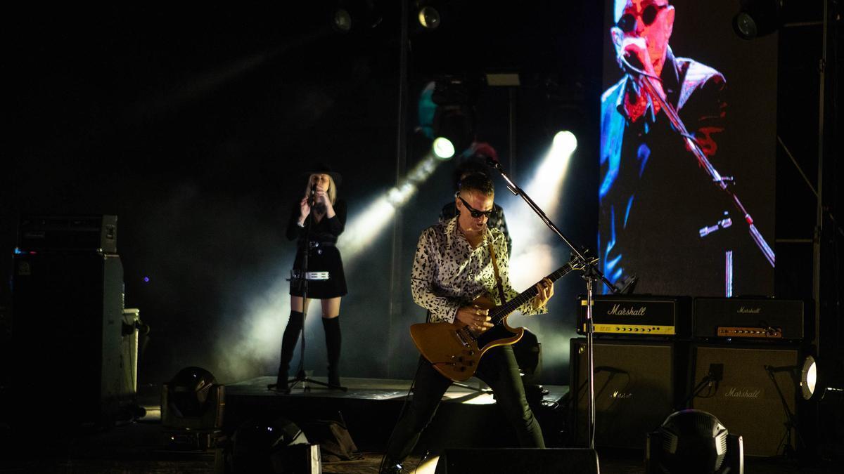 El Indio Solari sorprendió al estrenar dos nuevas canciones en el show virtual de Los Fundamentalistas del Aire Acondicionado