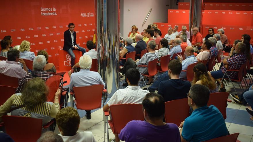 El portavoz socialista ha recordado que en los últimos años los santanderinos están viendo el caos en el que se encuentra la ciudad y a un PP agotado