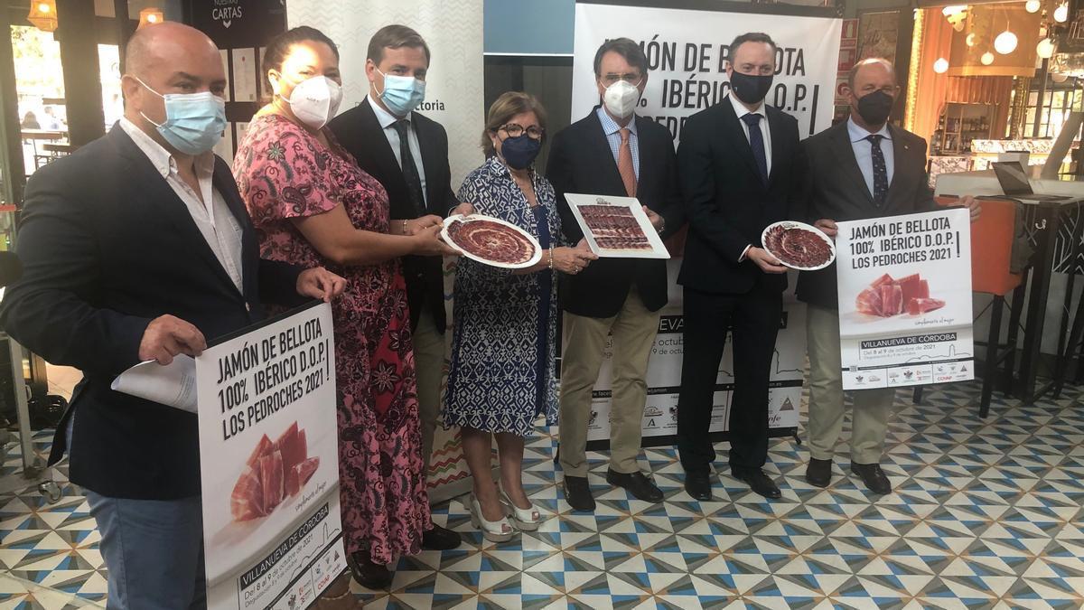 Presentación en el Mercado Victoria de los actos por la feria del jamón de Los Pedroches
