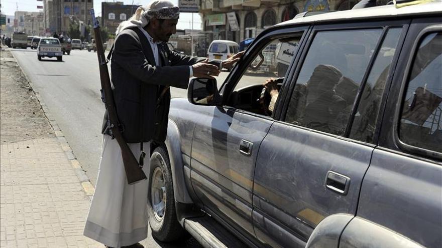 Los hutíes arrebatan un feudo a Al Qaeda pero pierden 13 miembros en un atentado