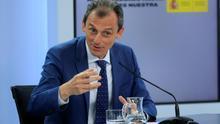 El ministro de Ciencia e Innovación, Pedro Duque durante la rueda de prensa tras el Consejo de Ministros celebrado en la Moncloa, Madrid este martes.