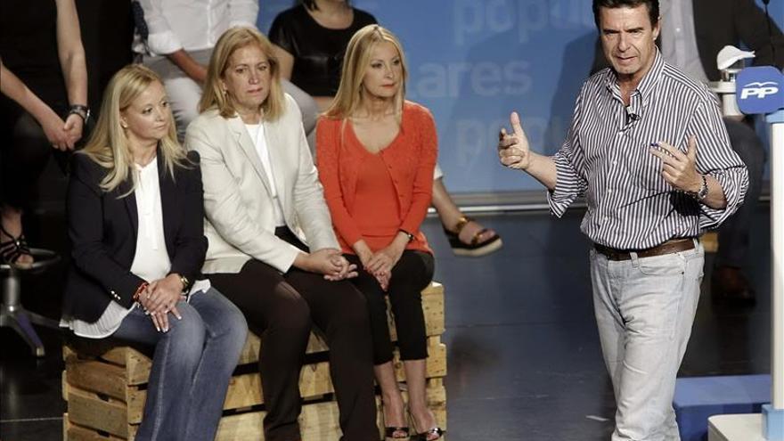 Soria dice que parece que hay un concurso para ver quién dice más que no pacta con el PP