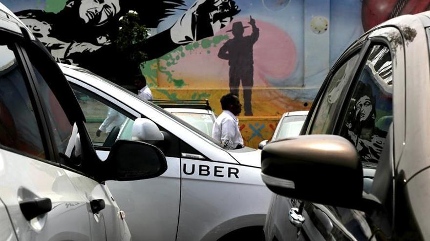 Uber suspende el programa de prueba de sus vehículos autónomos tras accidente