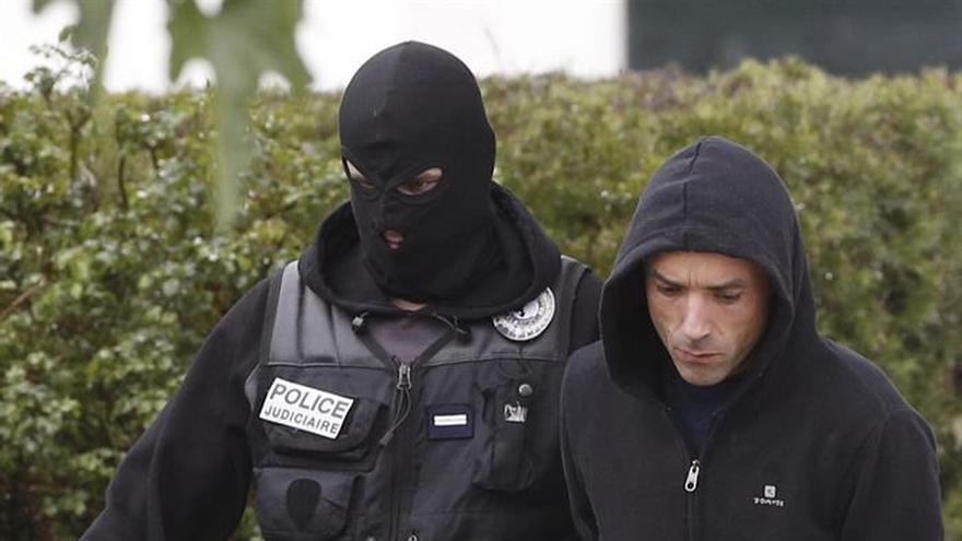 El presunto jefe de ETA es trasladado a París para comparecer ante el juez