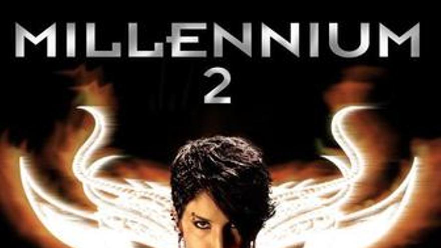 Cartel de Millennium 2 la chica que soñaba con una cerilla y un bidón de gasolin