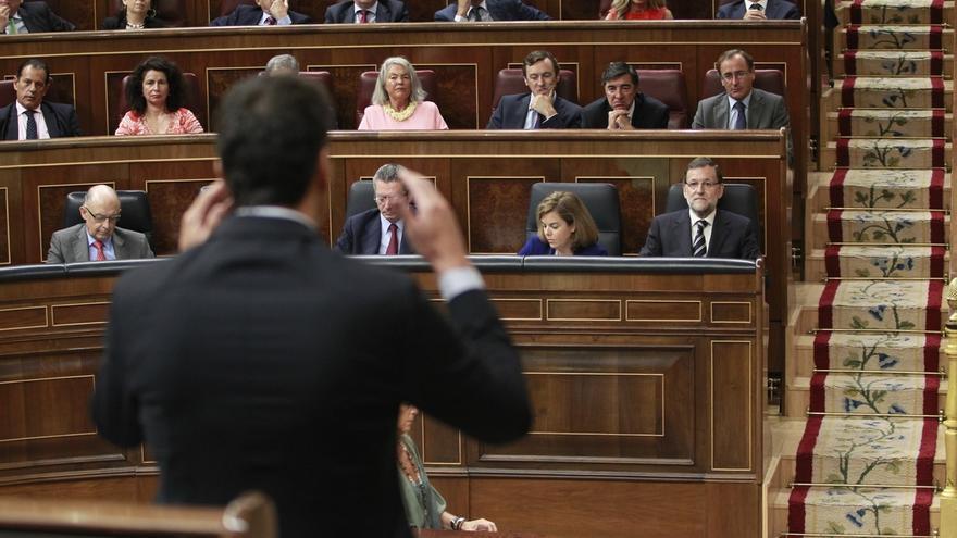 Pedro Sánchez y Mariano Rajoy, durante la sesión de control al Gobierno.