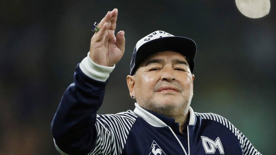 La causa Maradona: en tres semanas se debe determinar si el tratamiento médico pudo provocarle la muerte