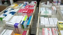 El gobierno publica los precios de los medicamentos financiados, pero sigue ocultando cómo los ha negociado con laindustria