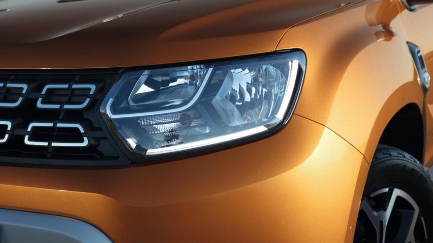 Detalle de diseño de la nueva parrilla delantera del Dacia Duster.