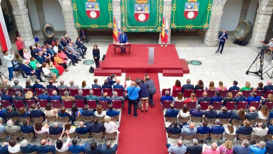El BOC publica el cese del Consejo de Gobierno y el nombramiento del nuevo y la reorganización de las consejerías