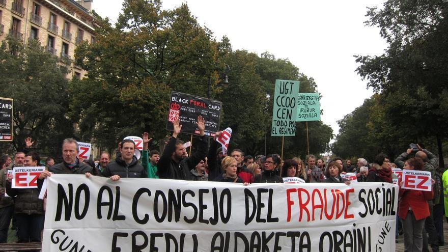 """Sindicatos y organizaciones sociales se concentran contra el Consejo de Diálogo Social, """"un rescate a CEN, UGT y CCOO"""""""
