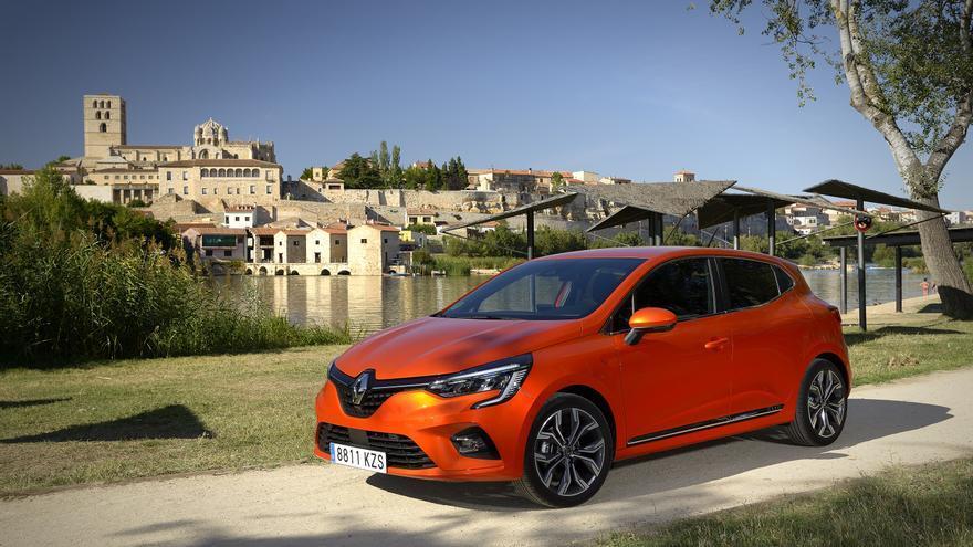 La quinta generación del Renault Clio incluye versiones híbridas e híbridas enchufables.