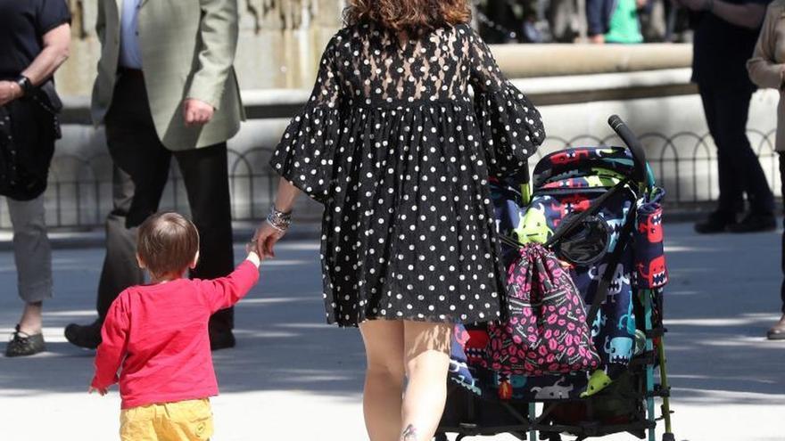 La secretaria de Igualdad reconoce que la maternidad en España está penalizada
