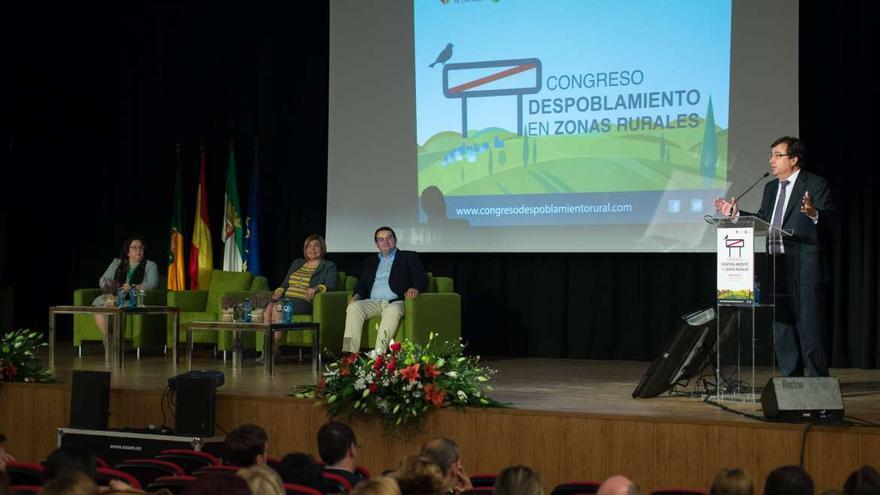 Fernández Vara congreso despoblamiento rural Montanchez