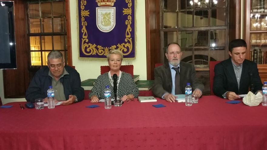 En la imagen, un momento de la presentación de la obra. Foto: LUZ RODRÍGUEZ.