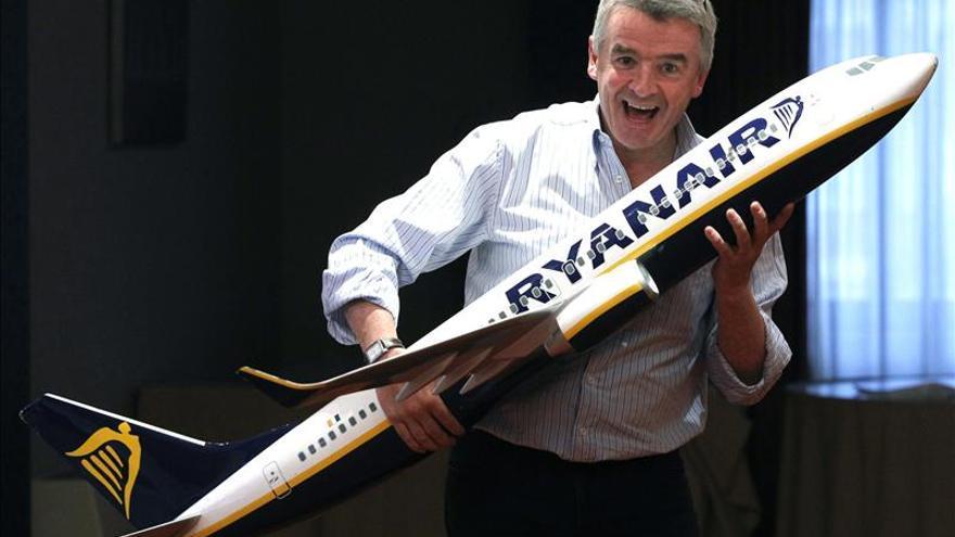 Rynair ofrece vender su participación en Aer Lingus para desbloquear venta
