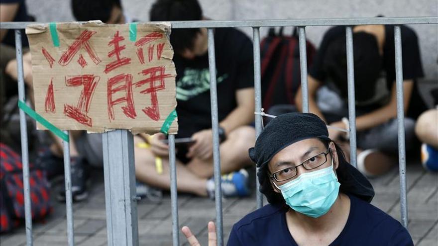 Pekín prosigue la represión y juzga a un activista por apoyar la libertad de prensa