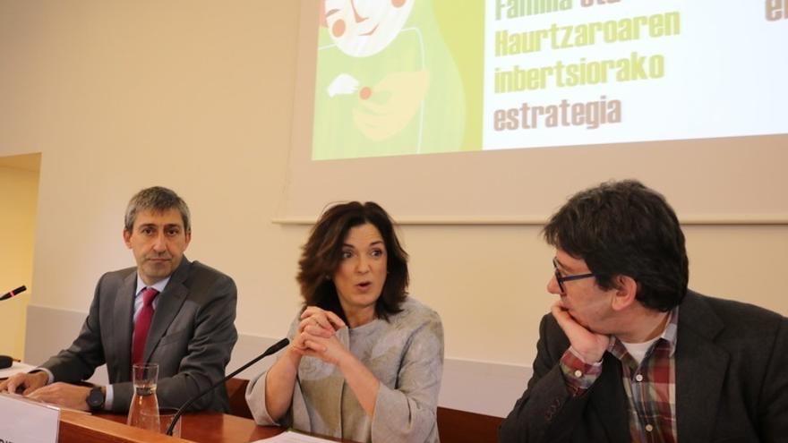 """Gobierno Vasco advierte de la """"relación directa"""" entre el déficit de natalidad y las desigualdades de género"""