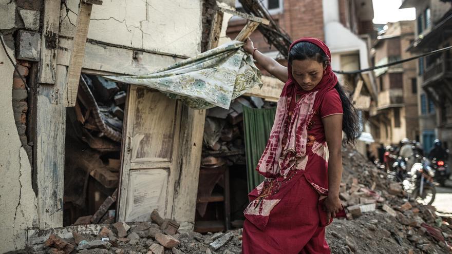 Tika y sus hijos fueron rescatados por su marido Ramesh y un vecino, solo recuerda el estruendo de la caída de su casa y la llegada al hospital./ Pablo Tosco (Intermón Oxfam).