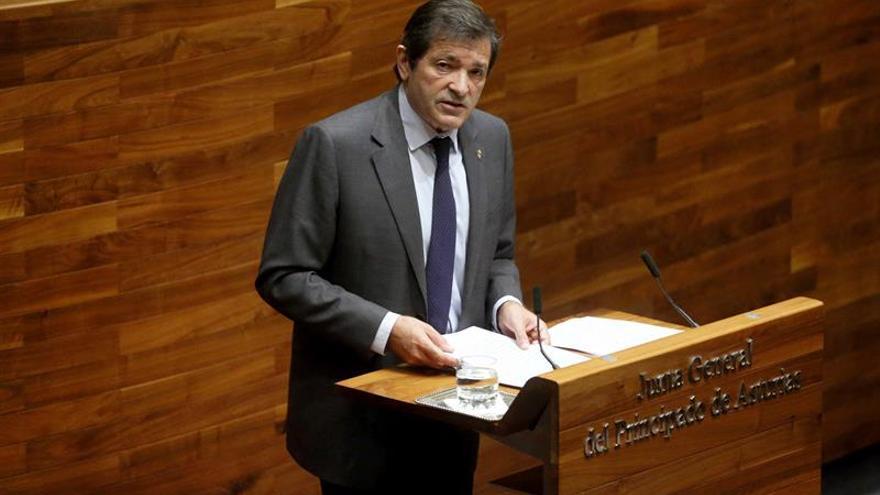 Juzgado abre diligencias contra Susana Díaz y Javier Fernández por coacciones