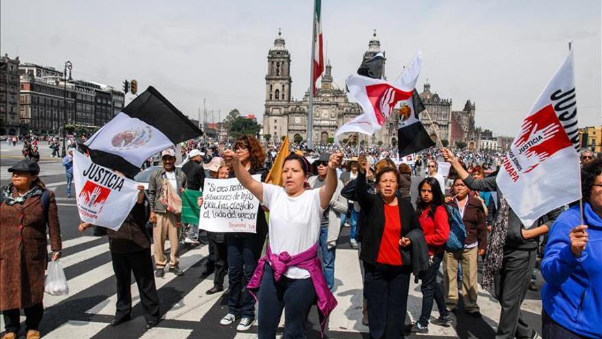 El Gobierno y los movimientos de protesta por los desaparecidos rechazan la violencia