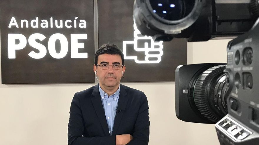 """PSOE-A dice que la negociación de posible gobierno """"desde Madrid evidencia la escasa valía y dignidad"""" de Moreno y Marín"""