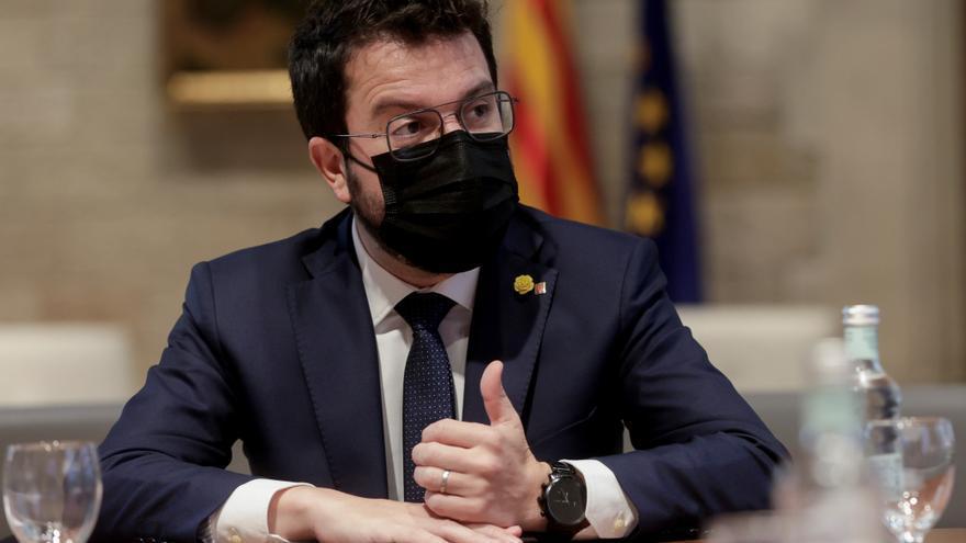 Cataluña pide a la justicia que autorice un toque de queda en 158 municipios