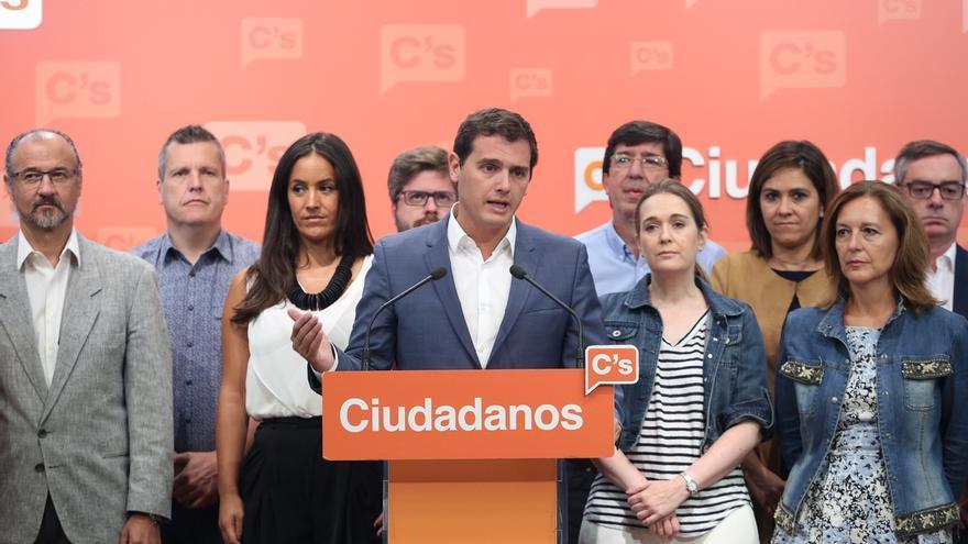 Rivera anuncia que Ciudadanos se abstendrá en la segunda votación de investidura de Rajoy