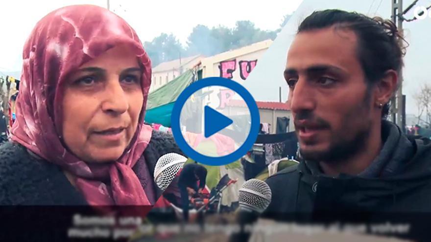Player videos sirios en Idomeni sobre el pacto de la UE-Turquía.
