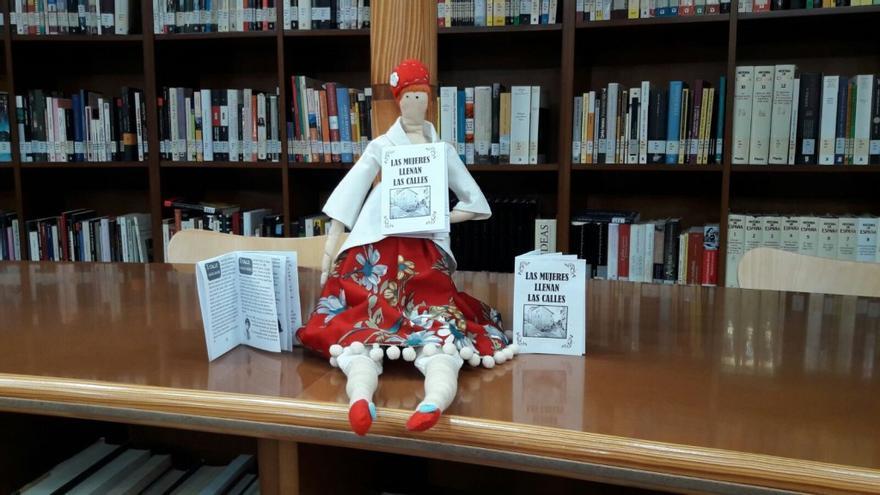 Los minilibros están ya en algunas bibliotecas de la provincia de Albacete.