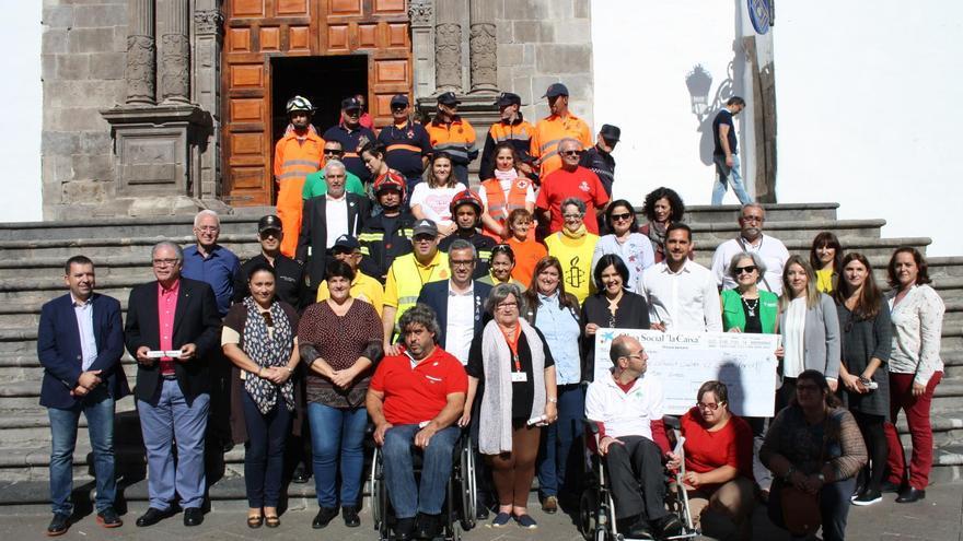 El acto institucional se ha celebra este miércoles al mediodía en la Plaza de España.