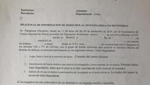 Una madre denuncia a una profesora en Pamplona por poner a su hijo una bata rosa en el comedor
