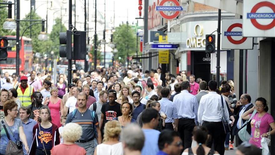 La mayoría de los británicos apoya salir de la UE, según una encuesta