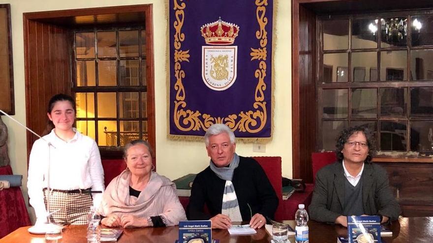 En la imagen, presentación este viernes del libro de Luis Ángel Marín en el Salón Noble de la Sociedad Cosmológica.