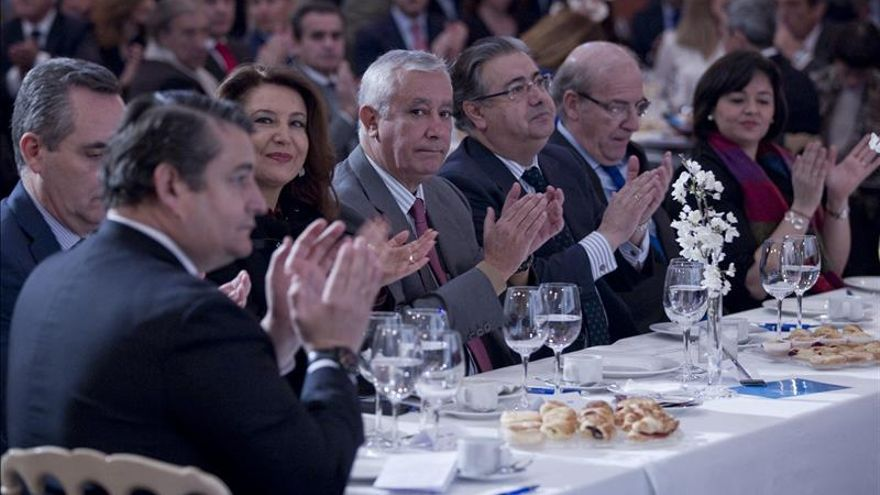Moreno anuncia que Arenas se incorporará a las listas electorales por Almería