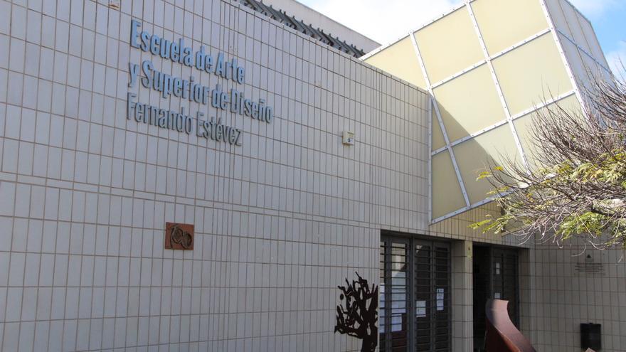 Entrada principal del centro docente ubicado en la capital tinerfeña