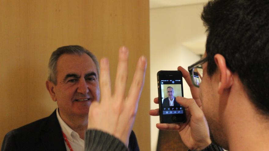 González Tovar respondiendo a las preguntas de los 'tuiteros' a través de vídeo / PSS