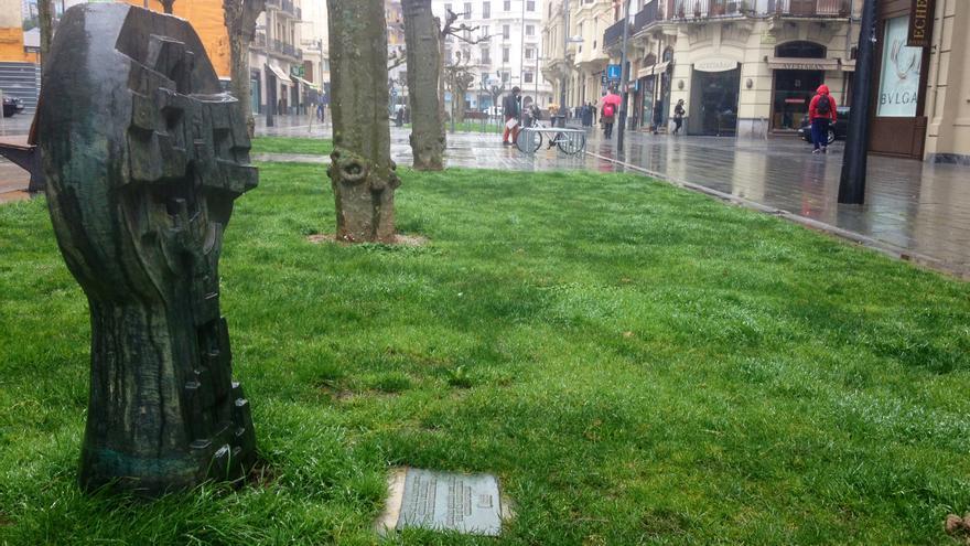 El monumento a Germán y los Sanfermines del 78 en Pamplona.