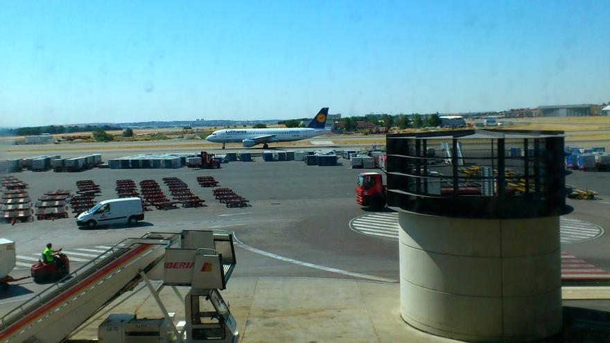 Avión en el Aeropuerto de Gran Canaria.