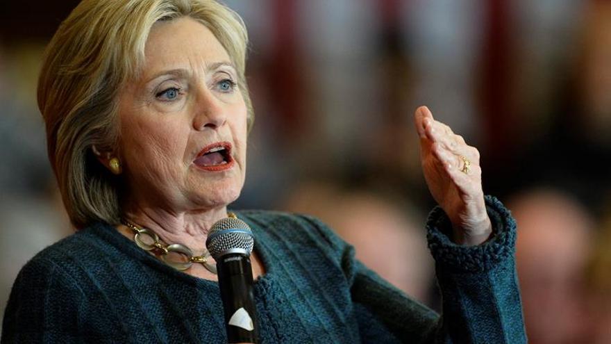 Clinton recibe el apoyo de un histórico exsenador republicano de Virginia